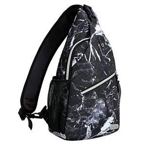 MOSISO Brusttasche Sling Rucksack Schultertasche, Polyester Crossbody Umhängetasche Sporttasche Kompatibel Herren Damen Mädchen Jungen Reise Daypack, Schwarzer Marmor